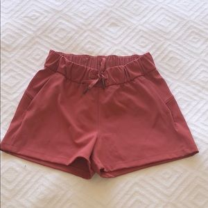 Lululemon Coral On the Fly Shorts